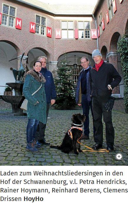 Weihnachtssingen im Burghof